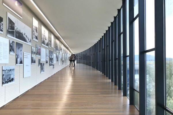 """Mit """"Belle Haleine - Der Duft der Kunst"""" spielt das Museum Tinguely in Basel auf verstörende Art mit dem Geruchssinn der Besucher."""
