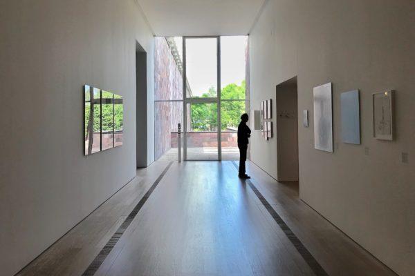 "Die Fondation Beyeler zeigt Dubuffets Kunstwerk Coucou Bazar in der Ausstellung ""Jean Dubuffet - Metamorphosen der Landschaft""."