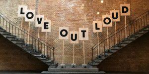 Manchmal hilft nur Protest – am besten in Form von Kunst. Auf der re:publica 17 stellte das PENG!-Kollektiv seine aktuelle Kampagne vor.