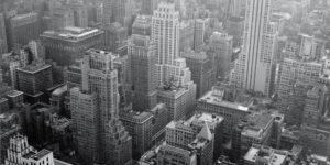 """""""Bauhaus und Amerika"""" wirft einen Blick auf die wechselseitigen Beziehungen der nach Amerika emigrierten Bauhaus-Akteure zu amerikanischen Kunstschaffenden."""