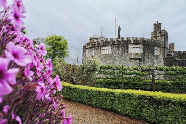 Wer die Grafschaft Kent an der Südküste Englands entdecken möchte, findet hier Tipps zum Walmer Castle, zu einer Tour durch Sandwich und zum Dover Castle.