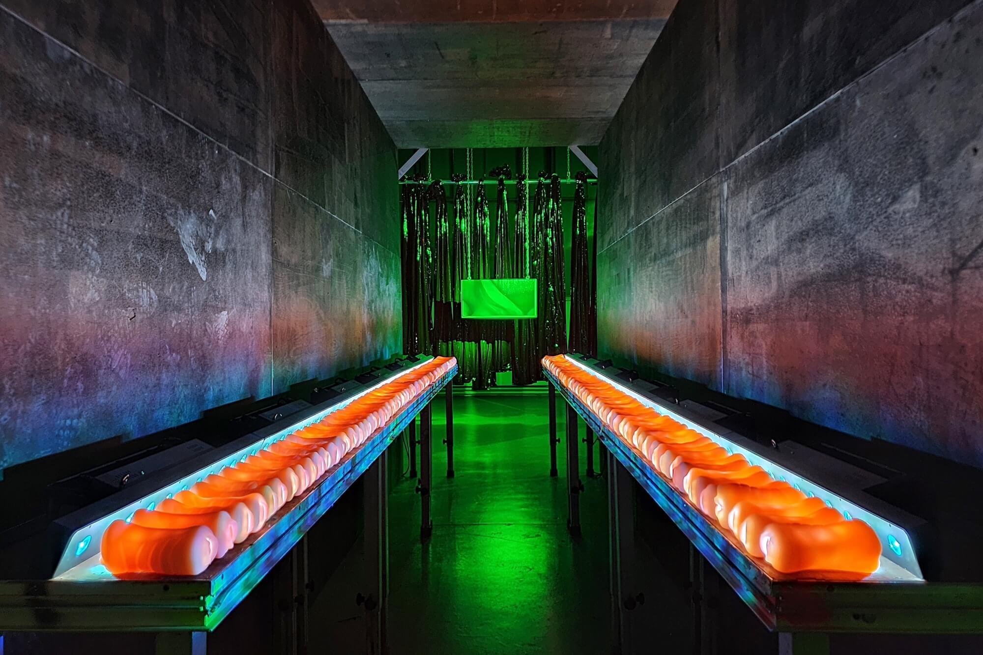 """Die Sängerin und Performance-Künstlerin Peaches betritt mit der Ausstellung """"Whose Jizz is This?"""" im Hamburger Kunstverein ein neues künstlerisches Feld"""