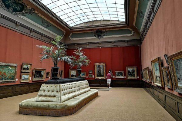 Die Kunstsammlung des Museums umfasst 10.000 Zeichnungen und etwa 25.000 Drucken, u.a. 25 Originalzeichnungen von Michelangelo