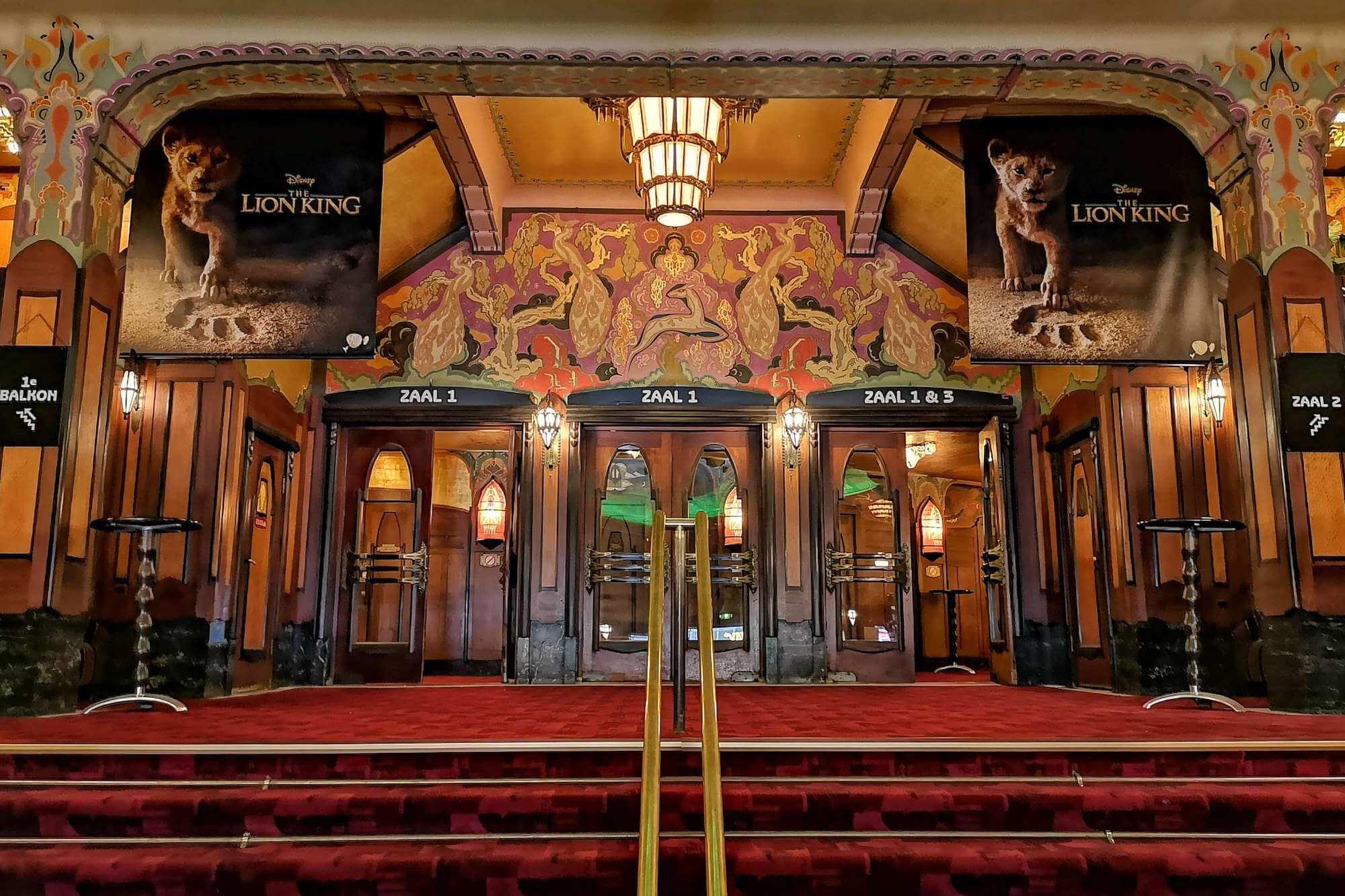 Eines der schönsten Gebäude in ganz Amsterdam ist wohl das Tuschinski-Theater in der Reguliersbreestraat. Ein Einblick in Geschichte und Architektur