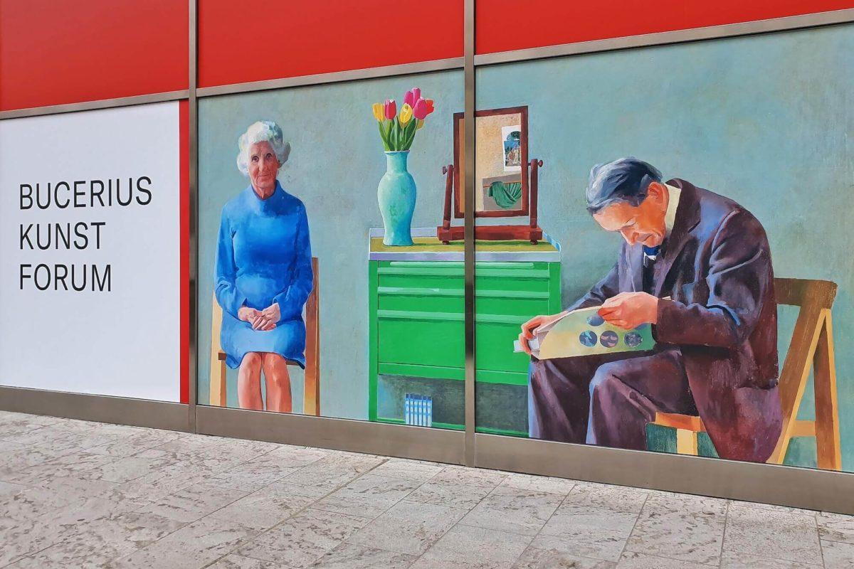 David Hockney gilt als bedeutender Künstler der Gegenwart. Das Bucerius Kunst Forum widmet ihm in Hamburg nun eine Ausstellung in Kooperation mit der Tate.