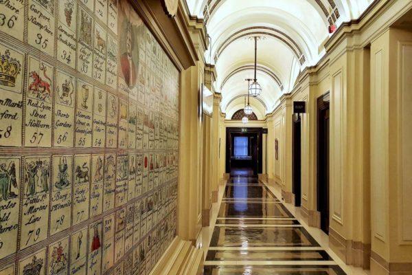 Die Freemasons' Hall in der Great Queen Street entstand zwischen 1927 und 1933 nach Plänen der Architekten Henry Victor Ashley und F. Winton Newman