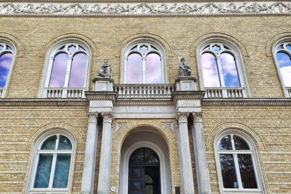 Das Augusteum, in dem heute die Galerie Alte Meister des Landesmuseum Oldenburg zu sehen ist, wurde 1867 für die Großherzogliche Gemäldegalerie errichtet