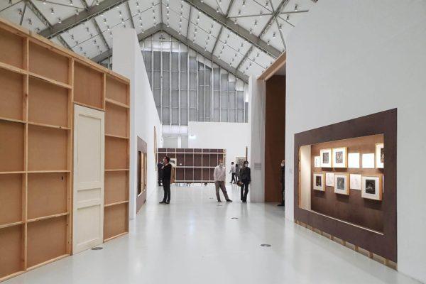 """In der Ausstellung """"Why Should I Hesitate: Putting Drawings to Work"""" zeigen die Deichtorhallen in Hamburg die Werke von William Kentridge aus über 40 Jahren künstlerischem Schaffen."""