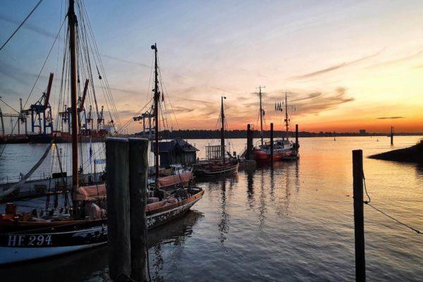 Die Hansestadt Hamburg hat viele Maritime Museen und Museumsschiffe zu bieten. Wir stellen die schönsten Ausflugsziele an der Elbe vor.