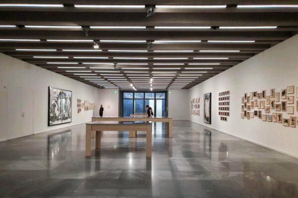Das Kunstmuseum Basel zeigt erstmals die teils sehr persönlichen Zeichnungen und Notizen aus dem privaten Archiv der Künstlerin Kara Walker.