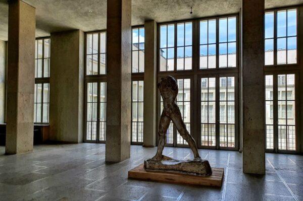 """In der Ausstellung """"Schatten: Abbild und Inszenierung"""" zeigt das Kunstmuseum Basel Schattendarstellungen von der Renaissance bis in die Gegenwart"""