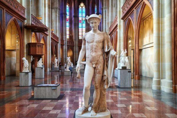 """Skulptur """"Antikenergänzung eines Hermes"""" von Emil Wolff, nach 1824"""